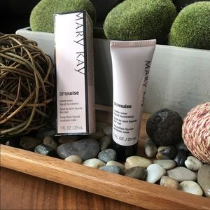 Listing for Pamela only. Mary Kay timewise matte